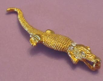 Vintage Figural Alligator Brooch Gold Tone with Rhinestone Eyes and Collar