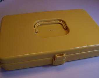 Vintage Retro Wil-hold Harvest Gold Sewing Box With Spool & Bobbin Holder Made in the USA