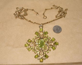 Vintage Pendant Necklace With Real Peridot Gem Stones 1960's Jewelry 7024