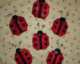 20 % off thru 8/20 Miniature log cabin quilt LADY BUG pin LADYBUG red black