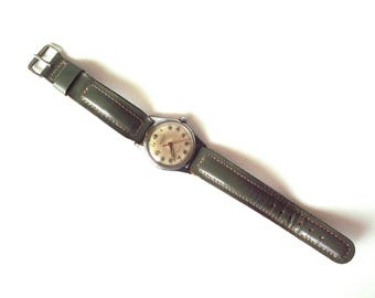 """Vintage 1970's Winding Crawford Watch, Ladies' or Child's, 17 Jewels, Mechanical, Back Says """"SWISS"""""""