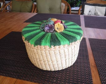 Vintage starw sewing basket with lots of vintage buttons