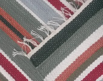 "Rag Rug - Hand-made - All Cotton - 22"" x 28"" - Red & Green Mat"