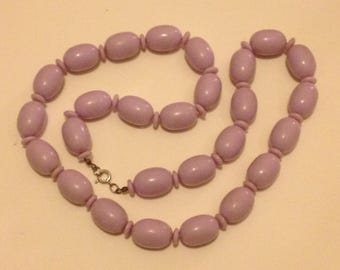 Vintage 1980s lilac plastic beaded necklace