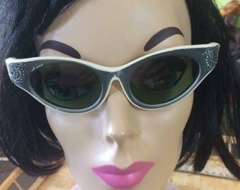 "Vintage ""Sunny's"" sunglasses cat eye sunglasses"