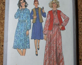 Simplicity Vintage Sewing Pattern 8418Size 14-16 Pullover Dress and Vest 1977