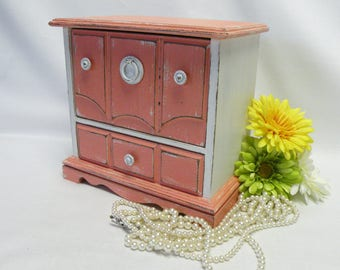 Painted Jewelry Box Vintage Upcycled - Salmon and White - Shabby Chic, Cottage, Farmhouse Decor - Twin Girl Gifts