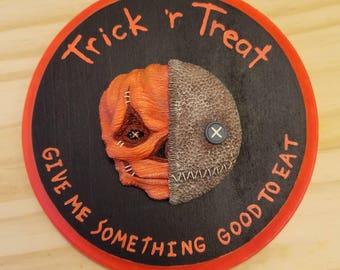 Trick 'r Treat Wall Hanging Sculpture Plaque V1