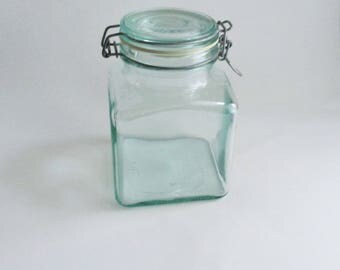 Vintage Green Glass Jar Square Hermetic Made in Italy 1700 ml Kitchen Storage