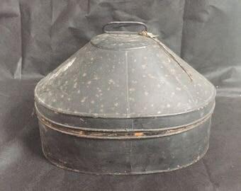 1930s pith helmet with case