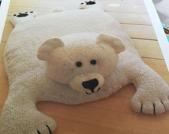 Mary Maxim - Polar Bear Baby Rug - Knitting Pattern Only