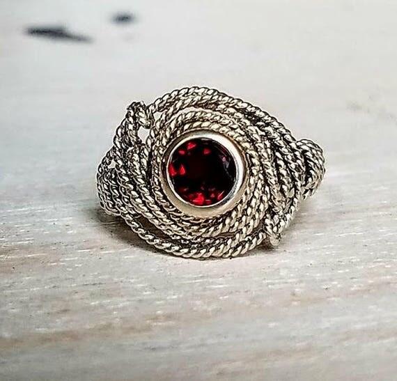 Natural Garnet Gemstone Argentium Silver Twist Wire Ring Size 7.0