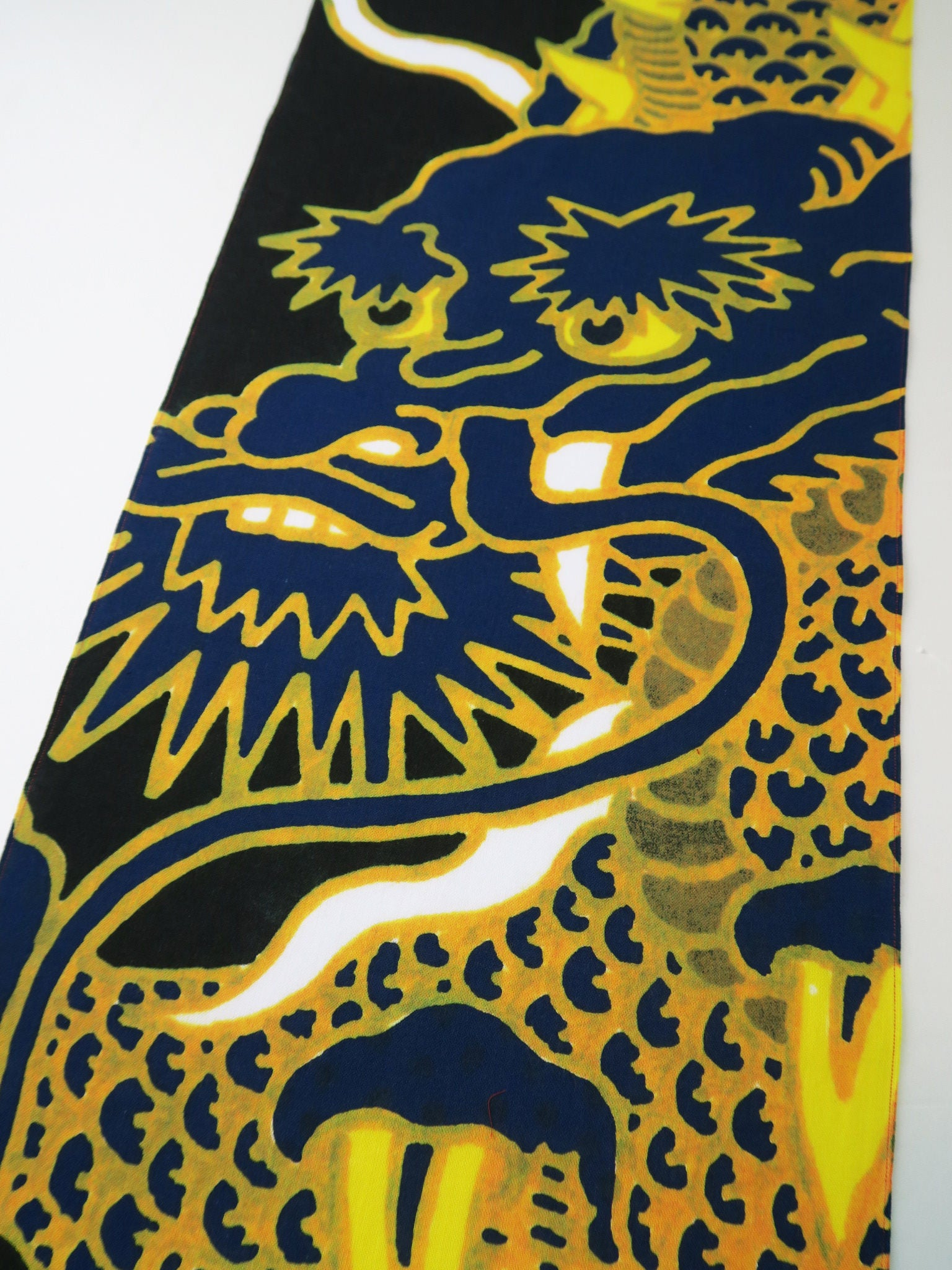 Dragon art, japanese dragon tenugui fabric, chinese dragon on a wall ...