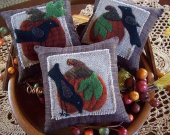 Pumpkins and Crows Bowl Filler Pillow Tucks