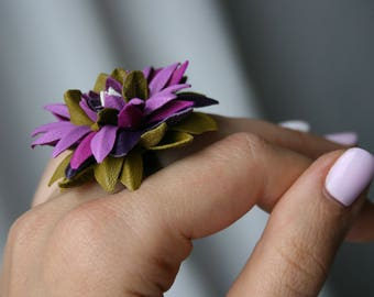 Multicolor - lilac-magenta-olive-violet leather Chrysanthemum flower ring