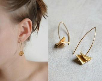Gold earrings, Hook earrings, Arc earrings, Marquise earrings, Dangle earrings, Minimalist earrings, Modern earrings, Long earrings
