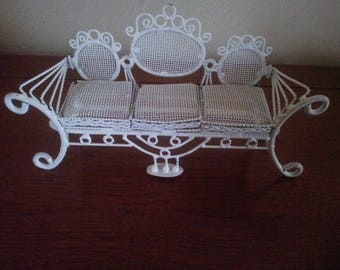 Beautiful Vintage Metal White Doll House Couch - Doll House Furniture - Miniature Furniture - Doll House Couch