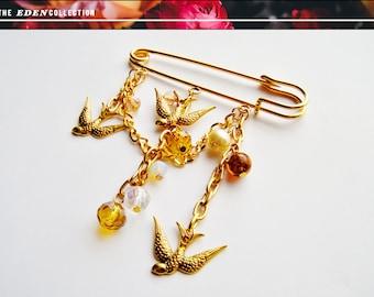 Golden Swallows Kilt Pin