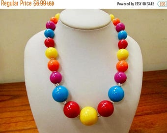On Sale Retro Brightly Colored Plastic Beaded Necklace Item K # 1352
