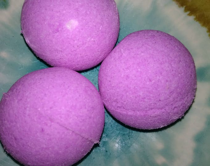 Lilac scented small bath bomb, purple , gift, wedding,  Christmas,  birthday,  spa relaxation gift, bubbling