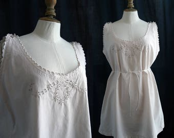 Antique Lingerie 1900's,  Linen nightgown, embroidered