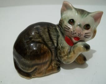 Vintage KItten FIgurine Made in Japan