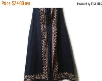 SALE Ethnic embroidered skirt vintage s m