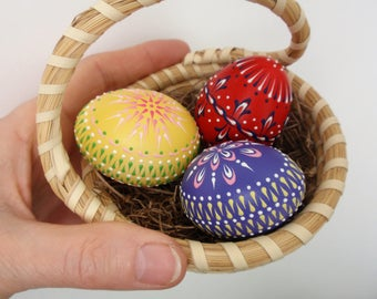 Set of 3 Banty Eggs Pysanky, Traditional Polish Eggs, Wax-Embossed Small Chicken Eggs, Easter Decoration