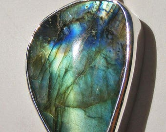 LABRADORITE PENDANT, AA Quality, Georgeous Blues, Greens, Golds, Sterling Silver