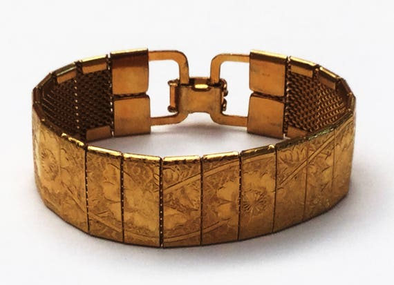 Gold etched Panel Bracelet - Gold Mesh - Flower - Vintage bangle