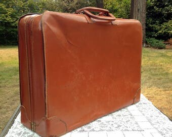 Large Leather Case/Mens Suitcase/Mid Century Luggage/Leather Travel Case/California Saddle Leather/24 x 18 x 7/VG Cond