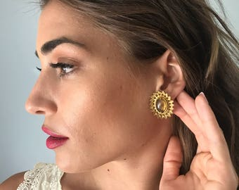 Vintage 60s Amber Carbachon Clip On Earrings