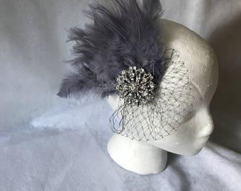 Gray Bridal Feather Fascinator, Grey Feather Hair Clip, Gray Wedding Fascinator, Silver Gray Feather Bridesmaid Comb, Gray feather Headband