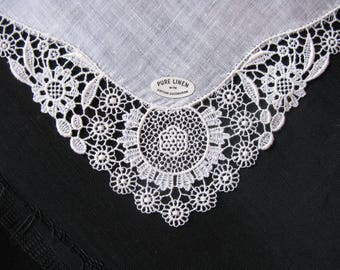 Linen handkerchief, ivory lace, unused hankie wedding bridal gift