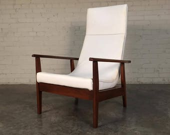 Awesome Mid-Century Modern 'Scoop' Lounge Chair White Vinyl - SHIPPING NOT INCLUDED