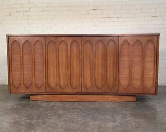 Mid-Century Modern Credenza / Buffet ~ Great TV Stand - Shipping NOT Included