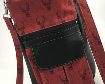 Small Crossbody Purse with Zippered Top ans Adjustable Strap -- Black Faux Leather and Cotton -- Deer on Red Background -- Gold Interior