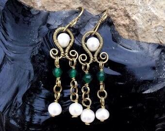 Fresh water pearl earrings, roman earrings with pearls and jades, brass byzantine earrings, roman replica, roman jewelry, byzantine jewelry