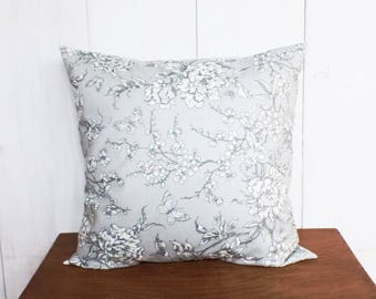 Cushion cover 40 x 40 cm, fabric flowers of Japan grey patterns