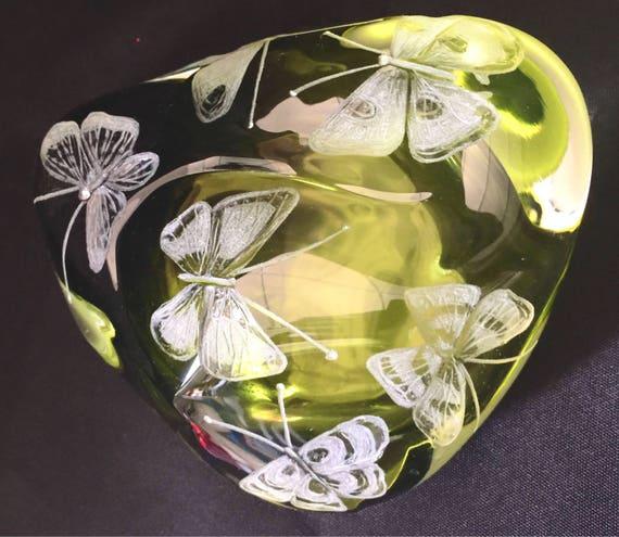 Hand Engraved Paperweight Butterflies, Office Decor, Home Decor, Etched Butterflies, Butterflies crystal Paperweight, engraved butterflies