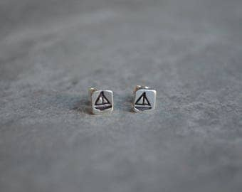 sailboat sterling silver stud earrings