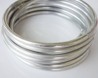 spool of silver 5mm aluminum wire 2 m