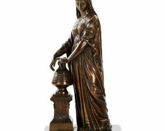 19th Century Egyptian Revival French Antique Bronze Sculpture of Woman Carrying Water