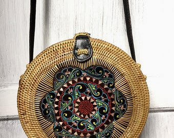 Handmade Rattan| Round bag; Bali bags; Crossbody;; Boho bag; Hippie Bags; Made from Bali, Indonesia