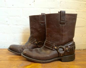 vintage men's Frye genuine leather brown harness pull on southwestern boots size 9 1/2