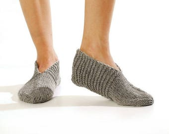 Wool slippers. Men wool slippers. Hand knitted slipper socks. Natural grey wool socks. Minimal slippers. Christmas gift. Home slippers.