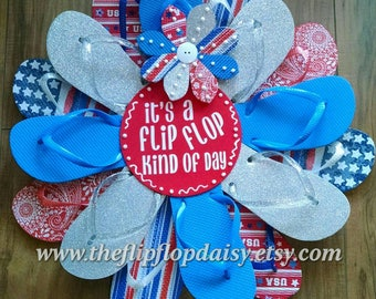 Beautiful Beachy It's a Flip Flop Kind of Day Wreath Door Wall Decor Patio Ocean Styles Red White Blue