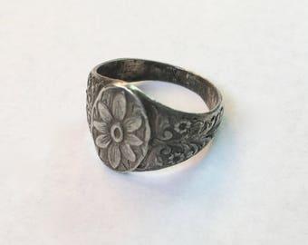vintage/antique silver flower ring, size 7.5