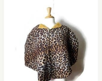 Clearance SALE 40% off Vintage Faux Leopard Zip up Poncho from 1960's/Rockabilly*