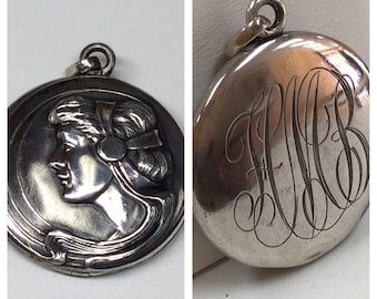 Vintage Sterling Silver Locket Pendant  Necklace !!!  Free US First Class Shipping!!!